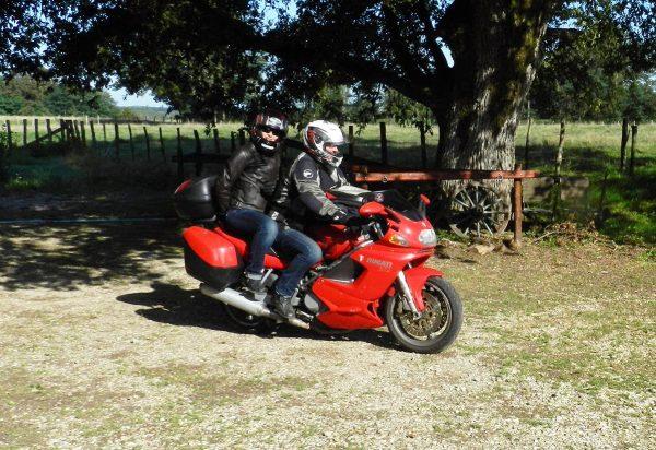 2 motards à la Ferme de Balme